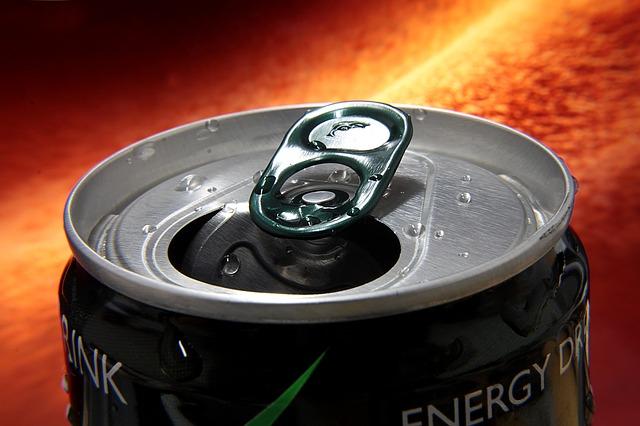 Bevanda energetica fatta in casa, 10 volte più sano della Red Bull